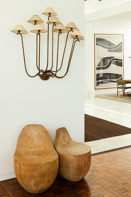 Arandela rústica na sala de estar clássica
