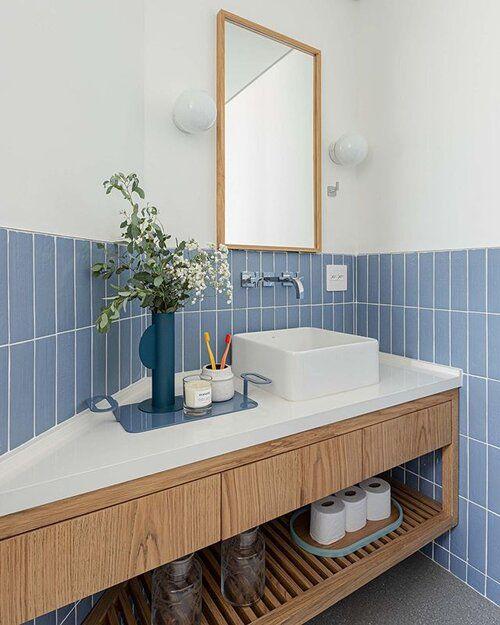 Use o revestimento azul para renovar seu espaço
