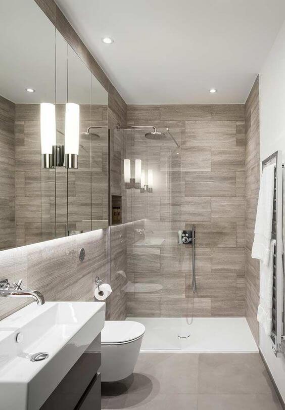 Banheiro pequeno sem janela e decoração
