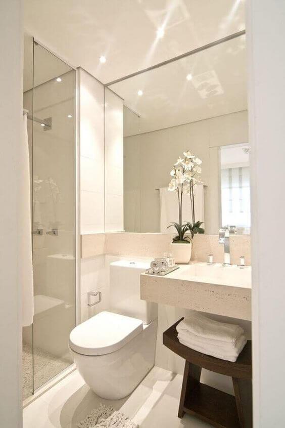 Banheiro pequeno sem janela