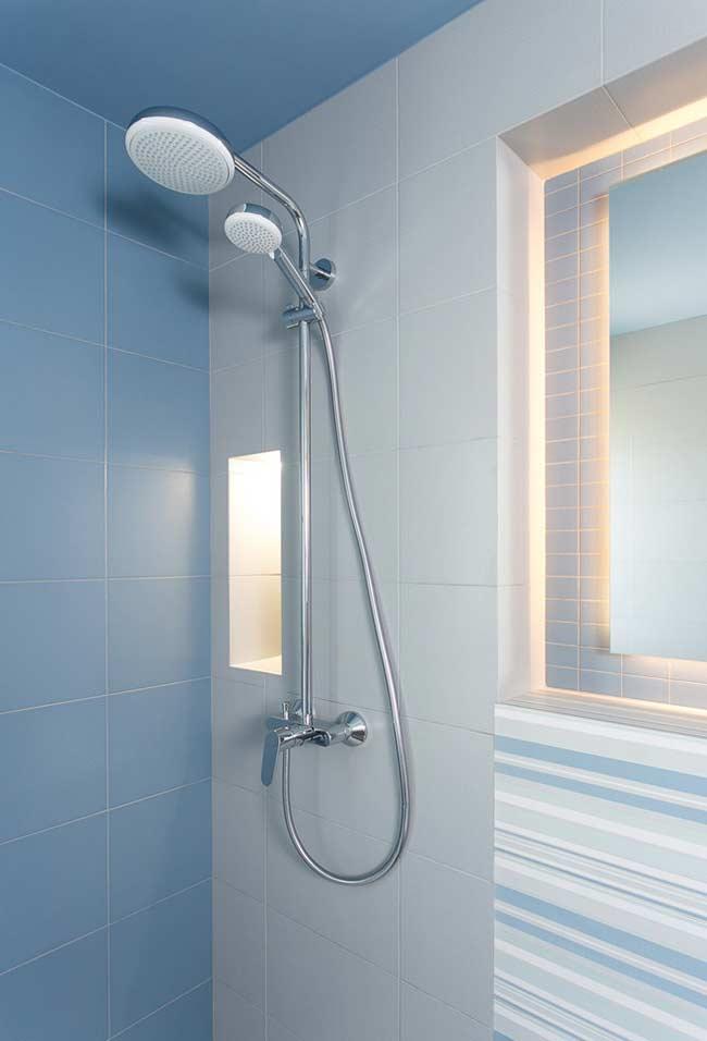 Revestimento azul para banheiro