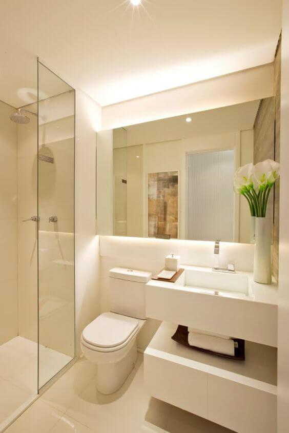 Banheiro sem janela branco