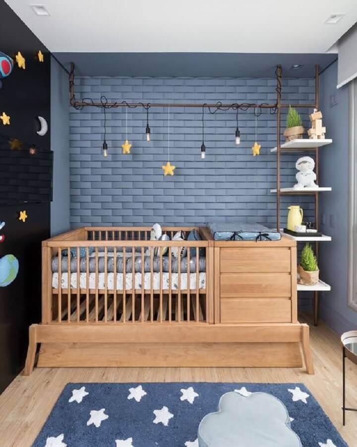 berço de madeira para decoração quarto de bebê masculino azul moderno Foto Pinterest