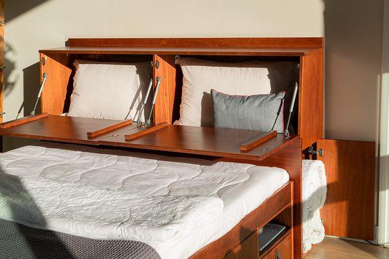 Cabeceira casal de madeira com baú e cama de gavetas