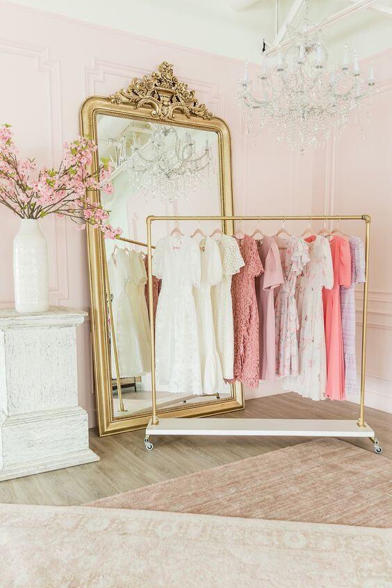 Aprenda como fazer um closet simples com arara
