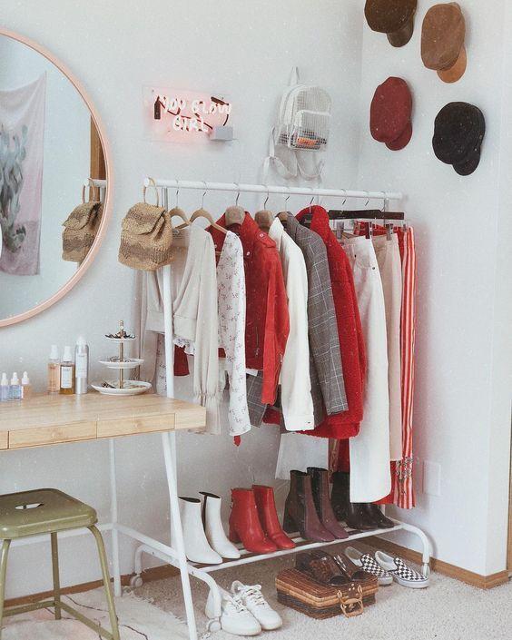 Closet modulado do lado da penteadeira
