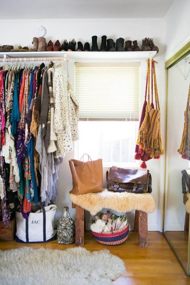 Aprenda como fazer um closet barato e simples