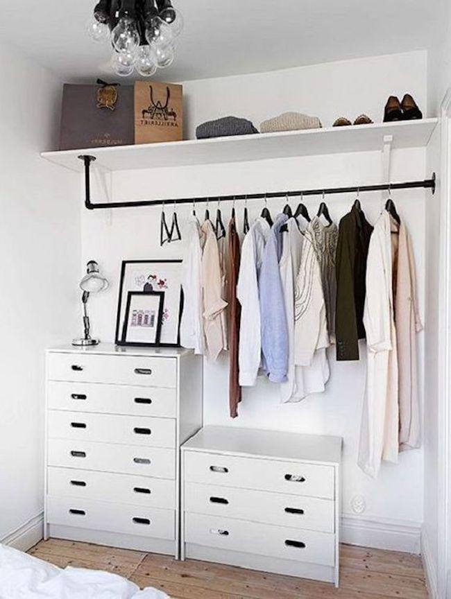 Use cômodas para complementar seu closet
