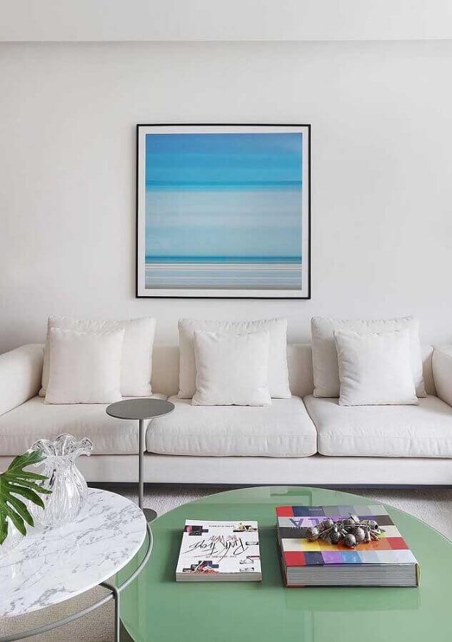 cores claras para sala branca decorada com quadro azul Foto Jeito de Casa