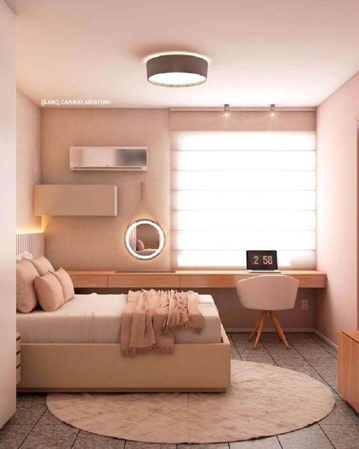 cores neutras para quarto com escrivaninha de madeira planejada Foto Pinterest