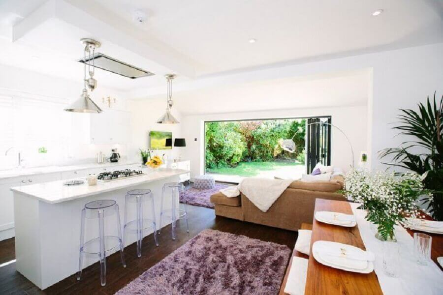 cozinha com ilha branca para casa conceito aberto clean Foto Pinterest