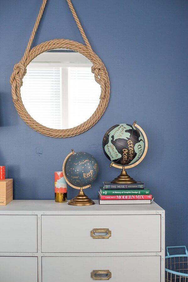 decoração com espelho com moldura de corda Foto Pencil Shavings Studio