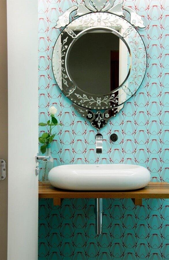 decoração de banheiro azul com espelho com moldura espelhada Foto Casa de Valentina