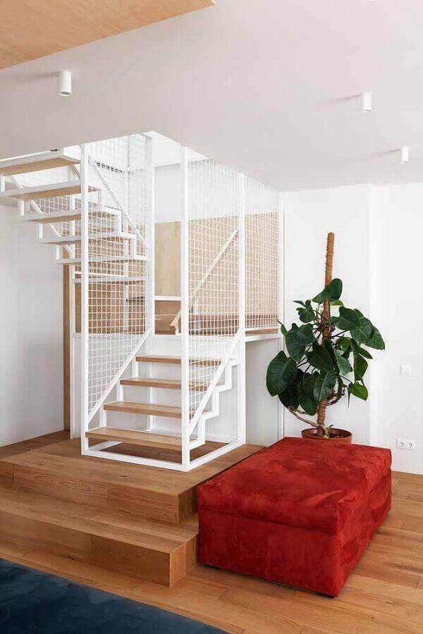 decoração de casa moderna com puff baú colorido Foto Behance