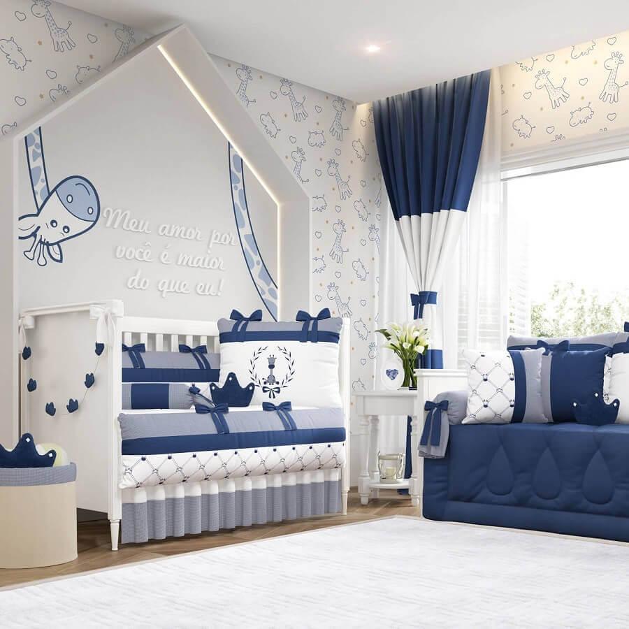 decoração lúdica para quarto de bebê azul marinho e branco Foto Pinterest