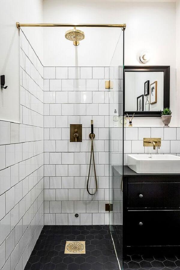 decoração minimalista para banheiro simples preto e branco Foto PUFIK Interiors & Inspirations