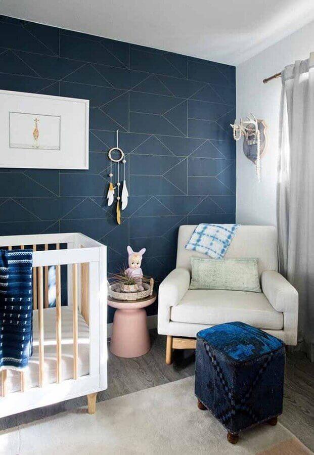 decoração moderna para quarto de bebê azul marinho e branco  Foto Planete Deco