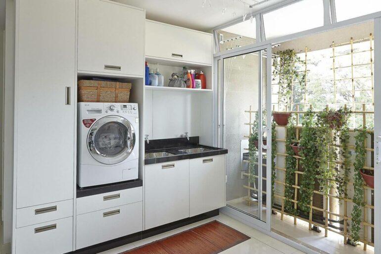 Decoração com lavanderia planejada - Via: Ana Luisa Previde