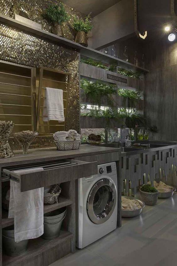 Decoração de lavanderia planejada com revestimento espelhado