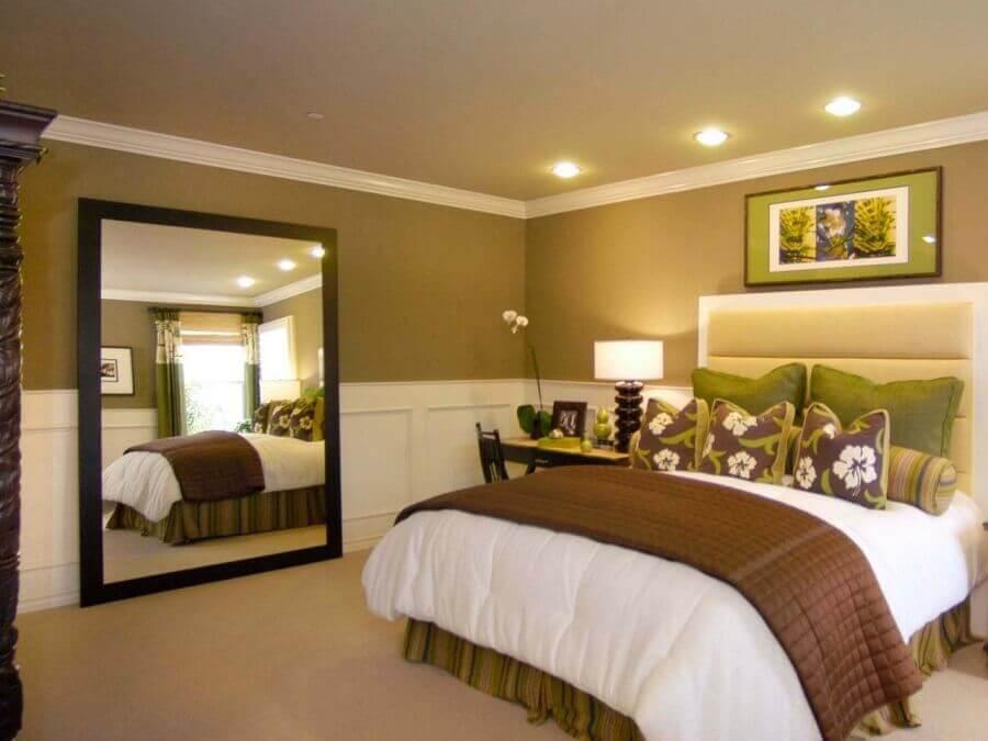 espelho com moldura para quarto de casal Foto Pinterest