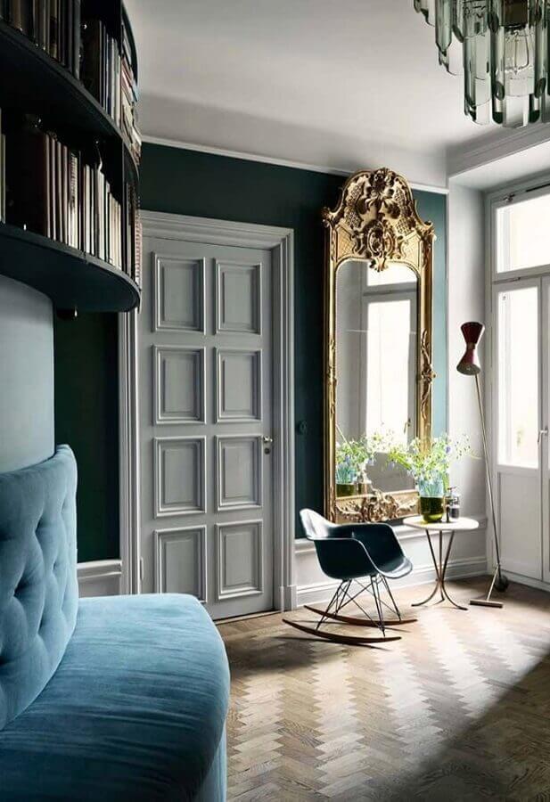 espelho grande com moldura provençal para sala com decoração clássica Foto Home Fashion Trend