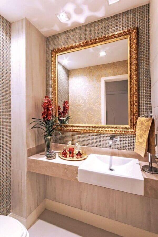 espelho para banheiro com moldura clássica Foto Pinterest