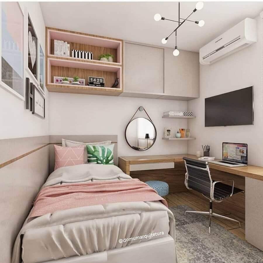 espelho redondo com alça para quarto de solteiro feminino com escrivaninha Foto Domum Arquitetura