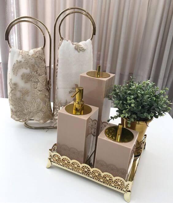 Kit para banheiro com toalhas combinando