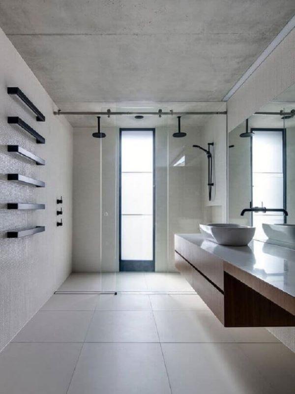 Kit para banheiro com decoração minimalista