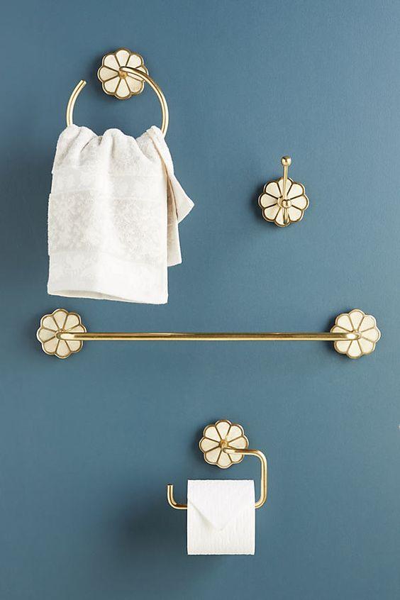 Kit para banheiro com detalhes lindos