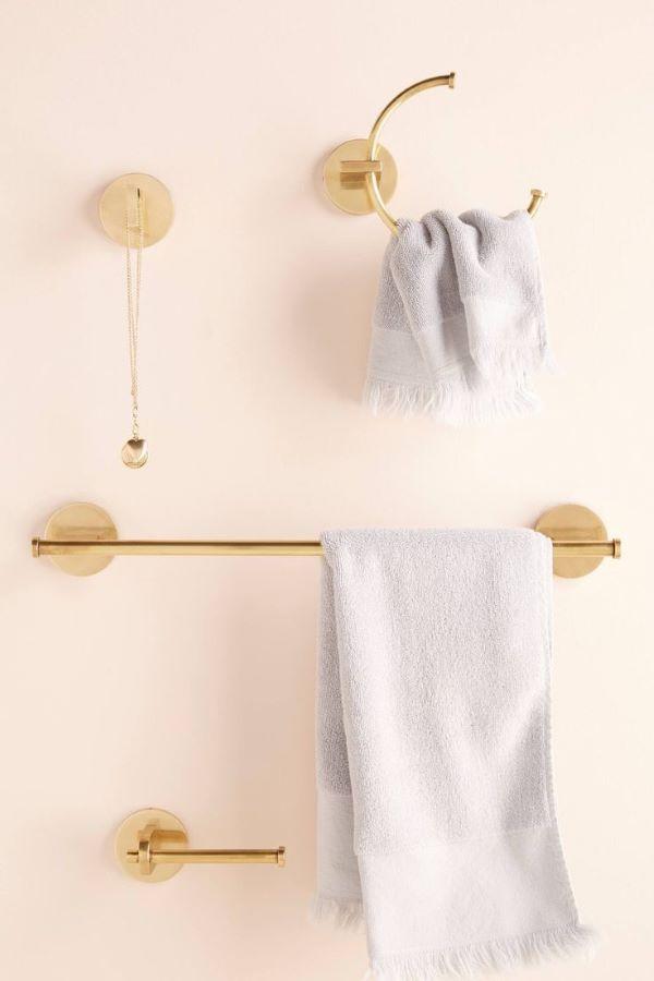 Kit para banheiro dourado com toalheiro e detalhes incríveis