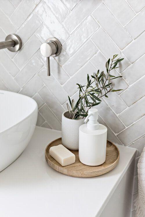Kit para banheiro minimalista