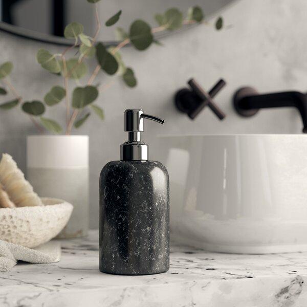 Kit para banheiro moderno em preto e branco