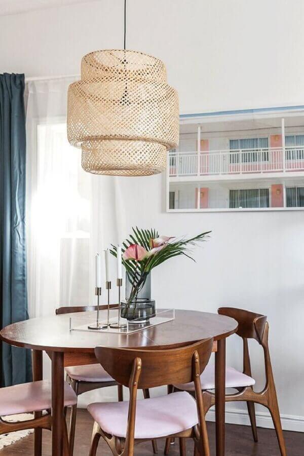 luminária pendente rústica para sala de jantar pequena decorada com mesa redonda Foto Casa de Valentina