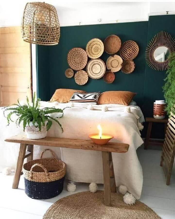 luminária rústica para quarto de casal decorado com banco de madeira Foto Etsy