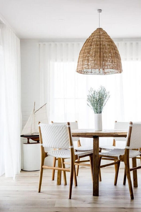 luminária rústica pendente para sala de jantar branca decorada com mesa redonda Foto Home Fashion Trend
