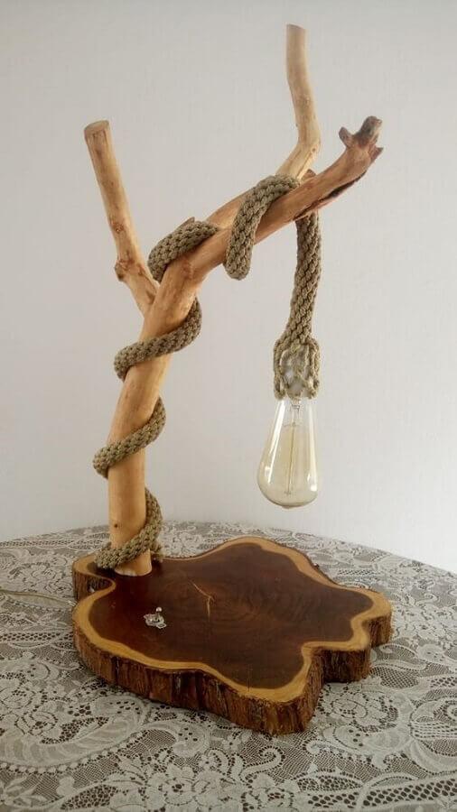modelo de luminária rústica de madeira de mesa Foto Pinus Moveis e Decoração