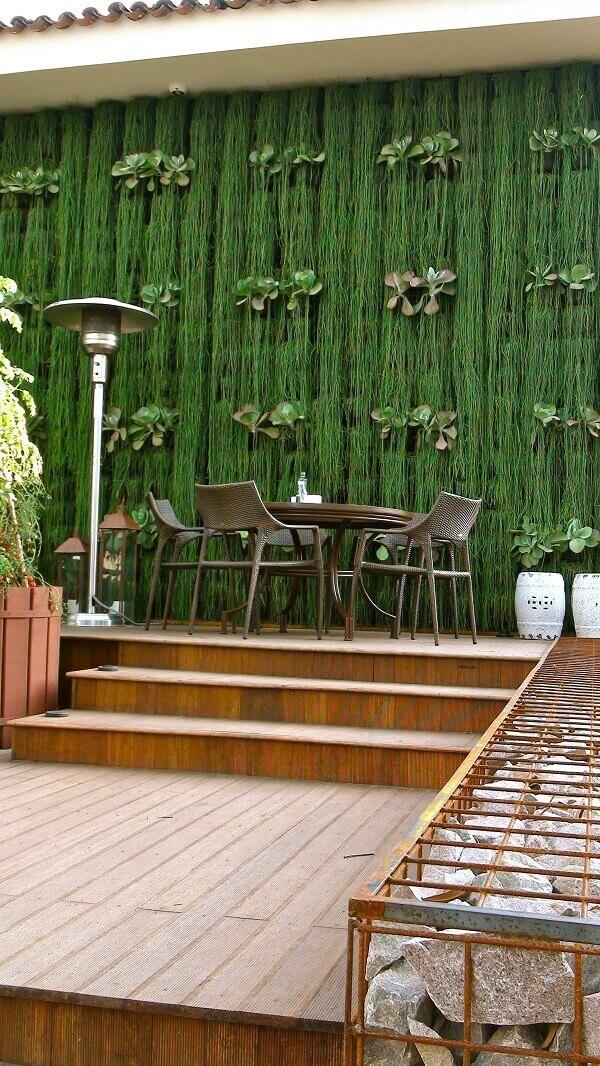 Decore seu muro com plantas e decorações lindas