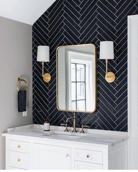 Banheiro com papel de parede preto