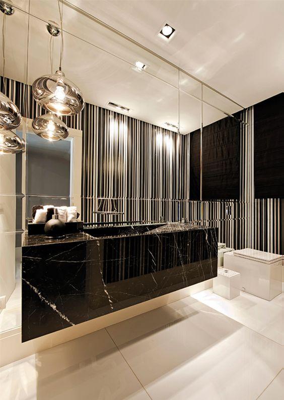 Papel de parede preto e branco com pia de mármore
