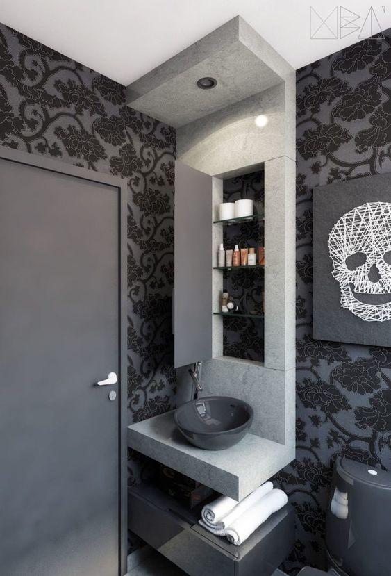 Papel de parede preto no banheiro em tons de cinza
