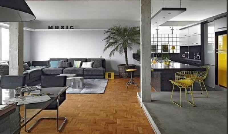 piso de madeira para casa conceito aberto cinza Foto Estúdio Doisa