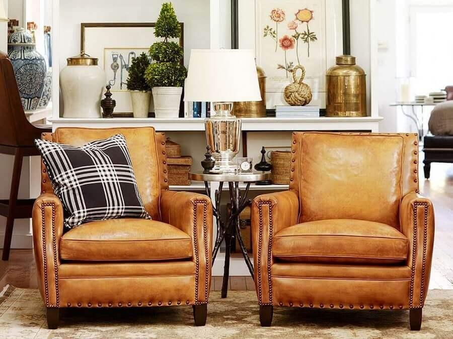 poltrona antiga de couro para sala de estar clássica Foto Living Home