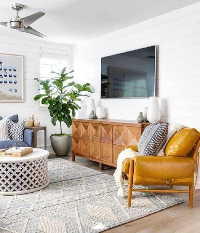 poltrona de couro caramelo confortável para sala de TV Foto Pinterest