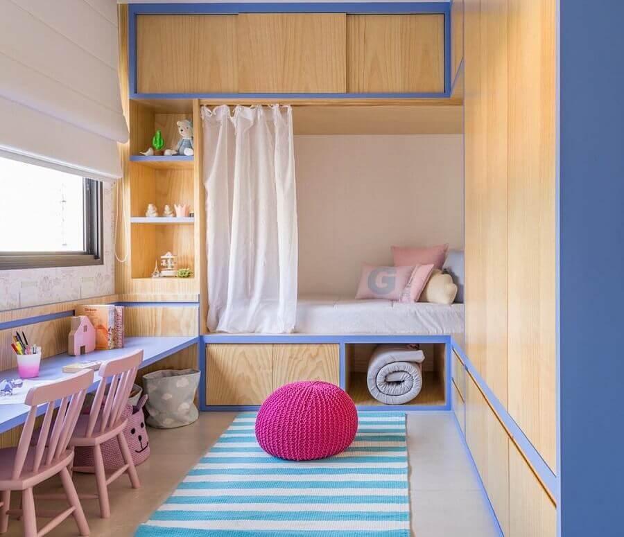 puff colorido para quarto de menina planejada Foto Na Toca