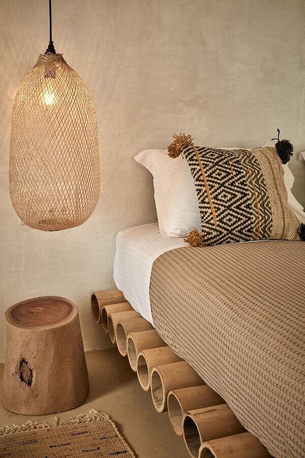 quarto simples decorado com luminária rústica pendente Foto Perfeita Ordem