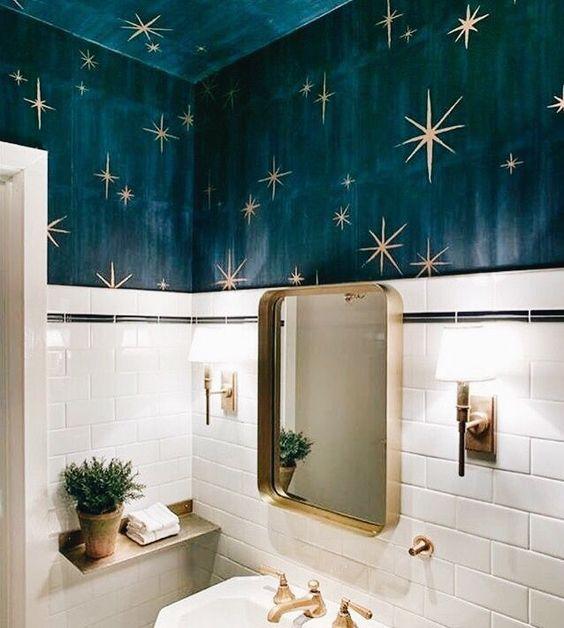 Revestimento azul com estrelas douradas