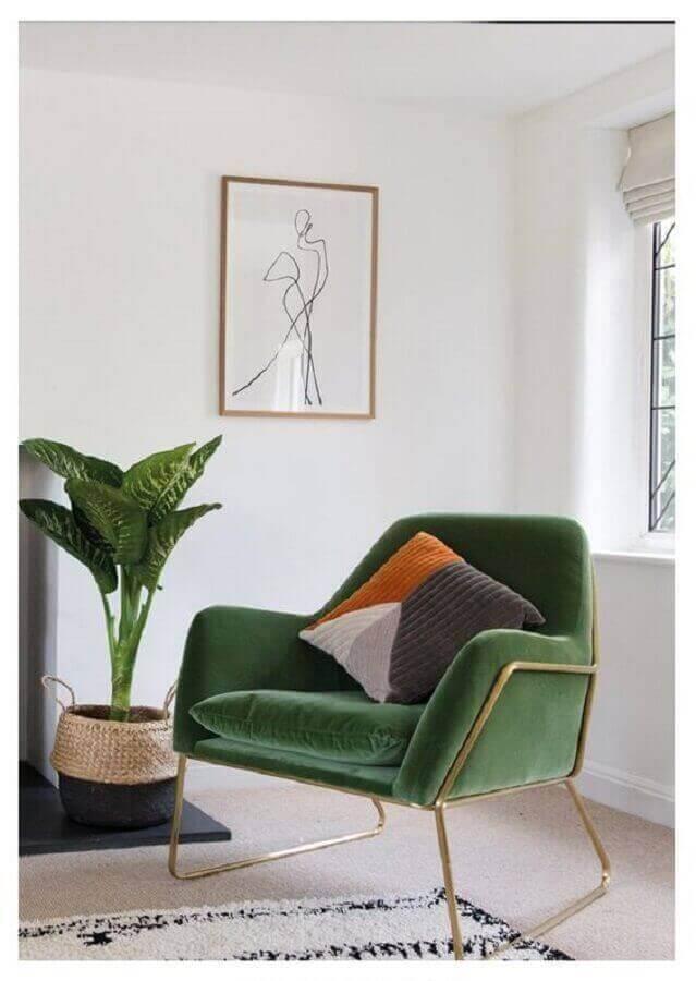 Sala de estar decorada com poltrona para leitura verde moderna Foto Made