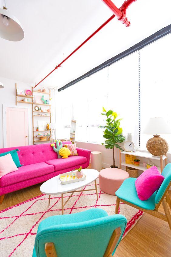 Sofá rosa pink e poltrona turquesa