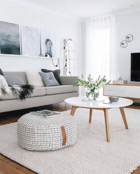Tapete grande para sala de estar na cor branca